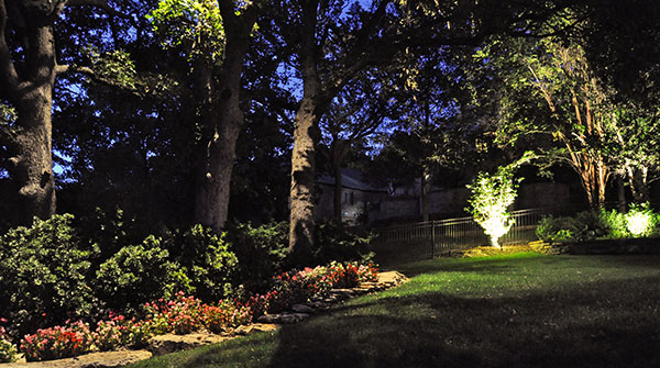Design a custom landscape lighting scheme to enhance and add value to your Tulsa Bixby and Jenks OK home or business. : landscape lighting design - www.canuckmediamonitor.org